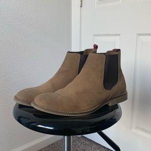 TOPMAN Suede Chelsea Boots